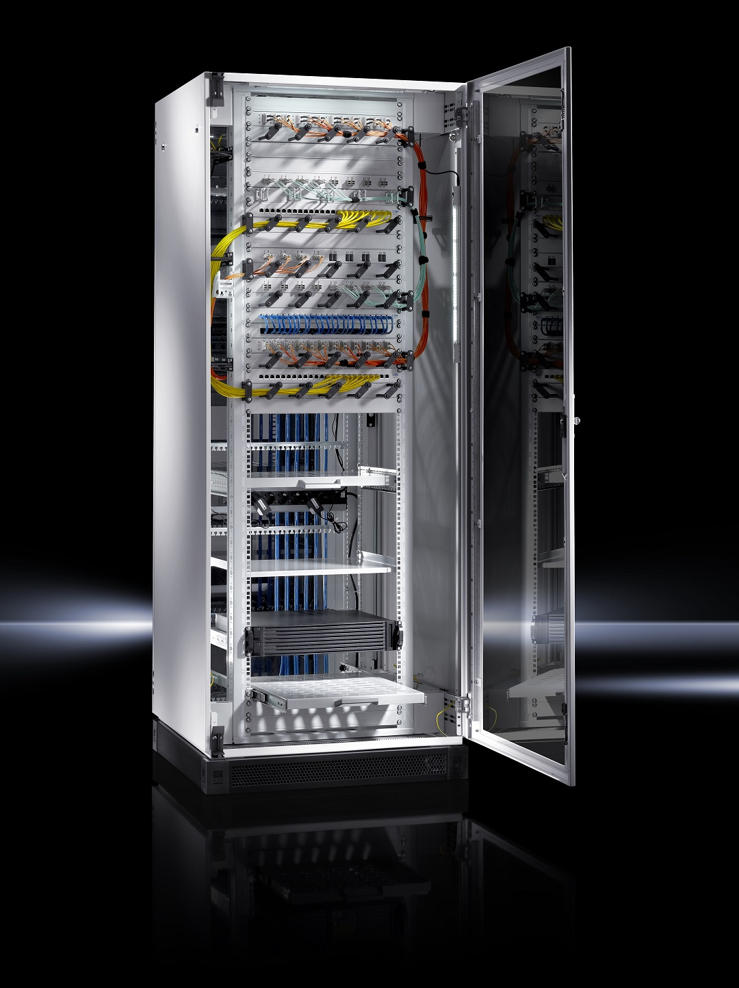 A Rittal új TE 8000 szétszerelhető IT szekrénye – a költséghatékony infrastruktúrához vezető első lépés